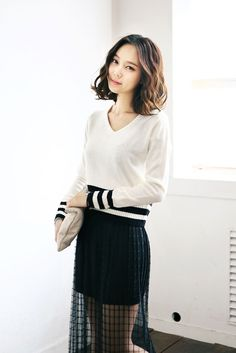 Coloration Stripe Knit Top