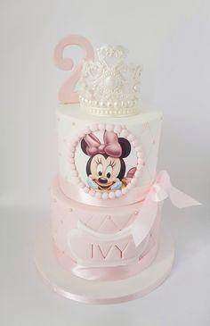 Mini Mouse Birthday Cake, 1st Birthday Cake For Girls, Minnie Mouse Birthday Decorations, Minnie Mouse First Birthday, Minnie Mouse Cake, Dummy Cake, Deco Disney, Bolo Minnie, Quinceanera Cakes