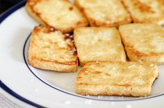 "I will dry my tofu from now on! ""How to Make Tofu Really Freaking Delicious - Tofu 101 Kosher Recipes, Tofu Recipes, Vegetarian Recipes Easy, Cooking Recipes, Healthy Recipes, Cooking Tofu, Tofu Food, Healthy Foods, Eating Healthy"