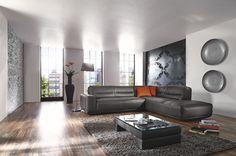 Garnitur Wanda •• Zeitlos-moderne Polsterecke zum gemütlichen Sitzen und Relaxen, bezogen mit einem anthrazitfarbigen Leder. #Wohnzimmer #Sofa #Leder http://www.muellerland.de/sortiment/produkt/polstergarnitur/