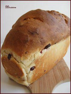 Huge orange, honey and cranberry bread like a brioche Cranberry Bread, Bread Rolls, Bakery, Gluten, Breakfast, Desserts, Food, Honey, Pains