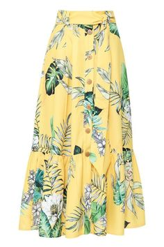 59 Colorful Skirts To Copy Now - Daily Fashion Outfits - Fashion clothes skirt street style skirt mini skirt vintage Mode Outfits, Skirt Outfits, Dress Skirt, Casual Outfits, Modest Fashion, Fashion Dresses, Fashion Fashion, Fashion Clothes, Mode Batik