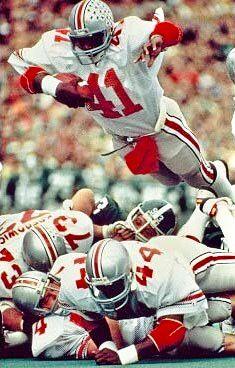 Keith Byars The Ohio State University 1985 College Football Players, Buckeyes Football, Ohio State Football, Football Memes, Ohio State University, Sport Football, Ohio State Buckeyes, American Football, Buckeye Sports