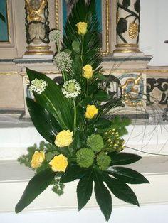 Resultado de imagen de arranjos florais para igrejas com rosas