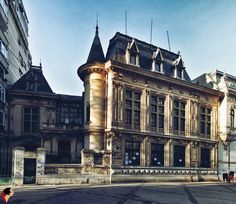 Casa Take Ionescu, București Paris, Bucharest Romania, Timeline Photos, Amazing Architecture, Townhouse, Louvre, Around The Worlds, Building, Classic