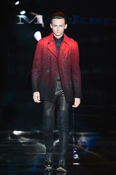 Here's an excellent example of the battle which we propose. The Mackage coat shows a simple red pea coat with colour that tapers down to black then is paired with hot leather pants. The crossroad between sensibility and creativity. We are all over this intersection this season!