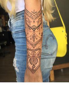 Mandala Tattoo 98062 27 Amazing Henna Tattoo Designs That Will Beautify Your Skin - Bafbouf Tattoo Henna, Wrist Tattoos, Get A Tattoo, Tattoo Shop, Cute Tattoos, Beautiful Tattoos, Body Art Tattoos, Tatoos, Tattoo Art
