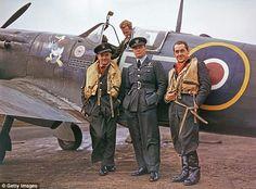Polish flying ace Jan Zumbach ( left) with Wing Commander Stefan Witorzenc (centre) and Flight Lieutenant Zygmunt Blenkowski, circa 1943