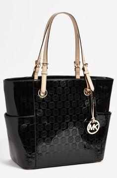 ac9193afa657 Bolso Michael Kors Signature Mirror modelo Tote #Designerhandbags Bolsas Michael  Kors, Michael Kors Tote