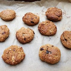 Vegan prune, walnut and oat cookies - CookTogether Vegan Oat Cookies, Walnut Cookies, Sweet Recipes, Snack Recipes, Snacks, Vegan Recipes, Vegetable Pasties, Fried Rice With Egg, Vegan Biscuits