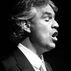 ANDREA BOCELLI El Mejor Cantante del Mundo fényképe.