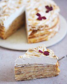 Pandekagekage med cream cheeseflødeskum og lemoncurd