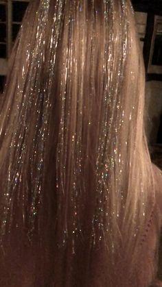 Pretty Hairstyles, Wedding Hairstyles, Fairy Hairstyles, Cabelo Inspo, Hair Tinsel, Aesthetic Hair, Grunge Hair, Mode Outfits, Hair Art