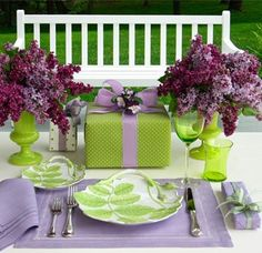 Carolyne Roehm's lilac and green tablesetting and gift wrapping ... what a stunning color combination!!