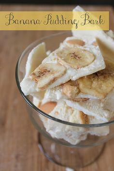 Banana Pudding Bark - only needs vanilla instant pudding, chocolate chips, nilla wafers, and banana chips! Bark-a-Palooza Homemade Banana Pudding, Banana Recipes, Just Desserts, Delicious Desserts, Yummy Food, Trifle Desserts, Tasty, Yummy Snacks, Yummy Treats