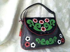 Poseta Etno chic cu breloc cadou. Ethno Style, Lunch Box, Shoulder Bag, Bags, Fashion, Handbags, Moda, Fashion Styles, Shoulder Bags