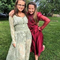 @Myiee // Bratayley // Sarah and Annie //