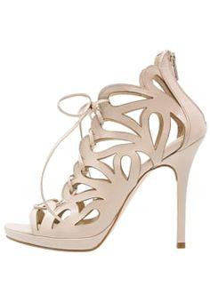 new product 5f8bd ddb6d 9 Best Scarpe images | Court shoes, Heels, Shoe