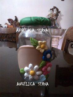Frasco decorado con porcelana fría
