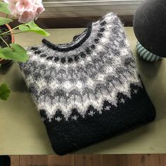 Ravelry: Project Gallery for Riddari pattern by Védís Jónsdóttir Crochet Dinosaur Patterns, Knitting Patterns Free, Free Knitting, Baby Knitting, Icelandic Sweaters, Nordic Sweater, Crochet Wool, Yarn Thread, Knitwear Fashion