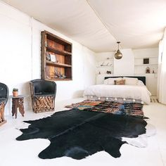 And you thought you've been glamping before. This bedroom at the house is called the Cement Tent. It's a detached bedroom with camping vibes and a king sized bed.✨ #thejoshuatreehouse #joshuatree #cementtent