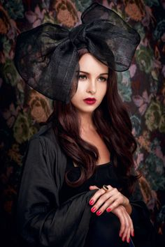 [Portrait by SAKAartisan] the Mona LisaLa Gioconda  photographer Jaroscha Jaroscha stylist Zoya Prosekova model Veronika Paireli Make-up artist Kitty Kittiya Anjimakorn