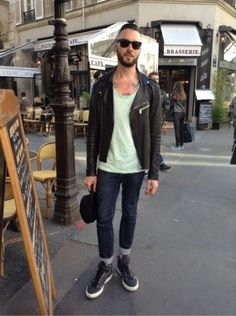 JEAN CLAUDE JITROIS Manteau, blouson - MARC JACOBS Jean -  PIERRE HARDY Baskets, sneakers #men #mode #look #streetstyle  http://moodlook.com/look/2014-04-16-france-paris-68