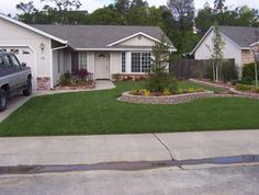 small front yard landscaping pictures - AT Yahoo! Search Results..link has great pics.