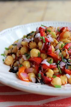Chickpea salad with marinated peppers - Rowen Killimister Raw Food Recipes, Vegetarian Recipes, Healthy Recipes, How To Cook Quinoa, How To Cook Chicken, Salad Dressing Recipes, Salad Recipes, Grilling Sides, Chickpea Salad