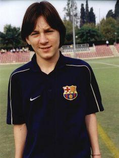 A 12 años de la llegada de Lionel Messi al Barcelona - Coronados de fútbol - Una pasión compartida // @aluchtenberg - @cdfblog en Twitter