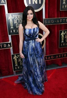 "Feeling the pinch: ""Modern Family"" star Ariel Winter wore a patterned gown that looked a little tight in the bodice. Beautiful Celebrities, Gorgeous Women, Ariel Winter Modern Family, Arial Winter, Ariel Winter Hot, Famous Girls, Beautiful Indian Actress, India Beauty, Indian Actresses"