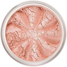"""Le Blush Minéral Doll Face est un ton rose clair irisé et pailleté pour des pommettes """"glowy"""", idéal pour des soirées. Le délicat Blush Minéral du Maquillage Lily Lolo apporte fraîcheur et luminosité à votre teint, effet «bonne mine» assuré !  Les textures aériennes et soyeuses sont proposées dans des teintes mates ou irisées pour s'adapter à chaque look. 9€ #blush #joues #pommettes #mineral #maquillage #teint #naturel #lilylolo www.officina-paris.fr"""