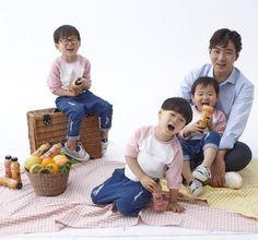 Daehan Minguk Manse Cute Kids, Cute Babies, Song Il Gook, Superman Kids, Triplet Babies, Song Triplets, Miss You Guys, People Figures, Dads