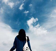 Hijab Style Dress, Hijab Chic, Profile Photography, Girl Photography Poses, Hijabi Girl, Girl Hijab, Muslim Girls, Muslim Women, Beautiful Hijab Girl
