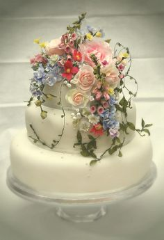 'Summer Bouquet' AmySwannCakes.. perfectly summer!!