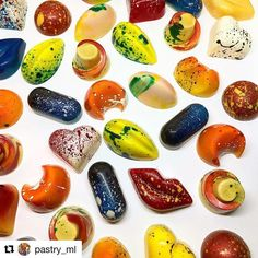 #Repost @pastry_ml  Those beauties are now available from my online store www.chocolours.com\shop . . Easter  gift idea ;) perhaps? . . . . . . #Easter #chocolate  #idea #sweet #tasty #food #foodie #chocolates #shop #shopping #instagood #instafood #instagram #chef #foodporn #foodie #photo #photography #photographer #bakelikeaproyoutube #giftbox #birthday #yummy #yummyfood