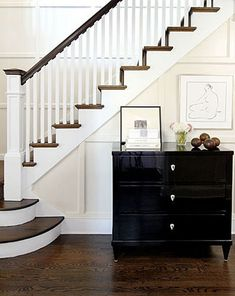 traditional-foyer-decor-modern-entryway-decorating-ideas-white-paint-colors.jpg (395×497)