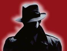 Resultado de imagen de imagenes en un callejón oscuro de gangsters en gabardina y sombrero