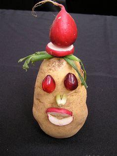 Vegetable Sculpture: Potato Man  Kitchen Window - Knife Fest 2008.  www.kitchenwindow.com