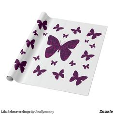 Lila Schmetterlinge Geschenkpapier Cards, Purple Butterfly, Purple Hearts, Beautiful Butterflies, Wrap Around, Wrapping Papers, Boxes, Gifts, Nice Asses