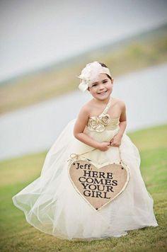 heart shaped flower girls backet ideas / http://www.deerpearlflowers.com/flower-girl-basket-ideas/