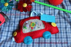 all in russian, cute i spy bag Crafts For Boys, Diy For Kids, Gifts For Kids, Quite Book Patterns, Spy Bag, Felt Books, Quiet Books, Fidget Quilt, Bazaar Ideas