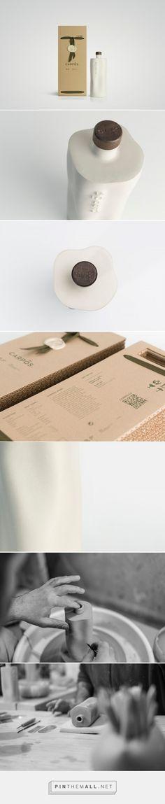 CARPOS olive oil packaging design by Panos Tsakiris X George Vavatsis - http://www.packagingoftheworld.com/2017/05/carpos.html