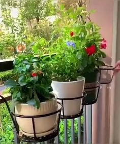 Perfect for your patio, porch, balcony, garden, etc. For deck and porch railings. This metal hanging flower plant basket stand adds a sense of decoration and provides a strong support for your pot plants. Balcony Herb Gardens, Small Balcony Garden, Small Balcony Decor, Balcony Plants, House Plants Decor, Apartment Patio Gardens, Potted Plants Patio, Hanging Herb Gardens, Balcony Flowers