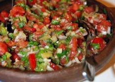 Pebre - Chilean Tomato and Cilantro Salsa like La Salsa Chilena Mexican Food Recipes, Vegetarian Recipes, Cooking Recipes, Healthy Recipes, Ethnic Recipes, Chilean Recipes, Chilean Food, Cilantro Salsa, Salads
