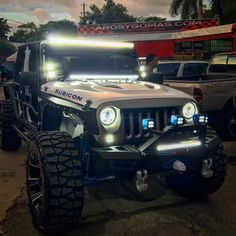 20 Jeep That Can Cross a Dessert but Could not Cross the Street Jeep Jk, Jeep Rubicon, Jeep Wrangler Unlimited, Jeep Truck, Wrangler Accessories, Jeep Accessories, White Jeep, Custom Jeep, Jeep Cars