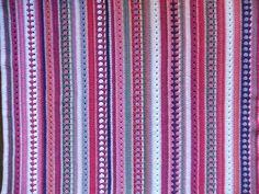 Deel 14 van het roze dekentje is klaar, het schiet al lekker op  Toer 102: kleur Rosee: vasten Toer 103: kleur Fuchsia: vasten Toer 104: kleur Fuchsia: granny stripe Toer 105: kleur Fuchsia: vasten Toer 106: kleur Rosee: vasten Toer 107: Kleur Elephant: stokjes Toer 108: kleur Fuchsia: halve stokjes Toer 109: kleur Blanc: stokjes Toer 110: kleur Rosee: vasten