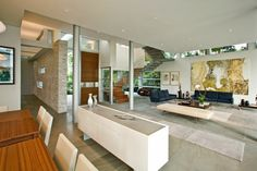 West Broadview Home With Beautiful Infinity Pool By KZ Architecture