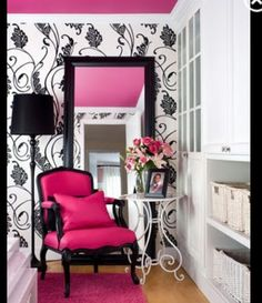 A chair like this in my fantasy walk in wardrobe/room closet, would be lovely.