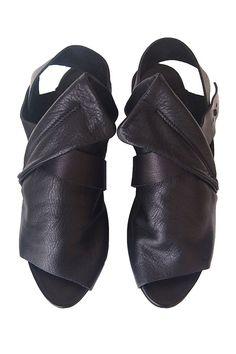 Rail Splitt Sandal in Black #trippen #Trippenshoes